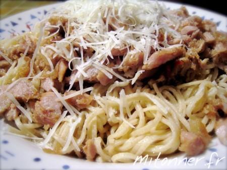 Spaghetti au thon, ail, huile et piment